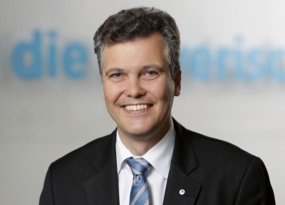 Dr. Herbert Schneidemann, Vorstandsvorsitzender der Versicherungsgruppe die Bayerische