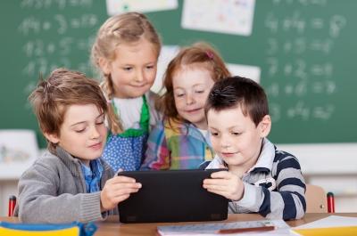 Geschenkeberge: Damit müssen Eltern zum Schulanfang rechnen