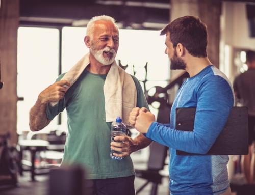 Schweiß und Eisen: So sichern Vermittler Fitnesstrainer ab