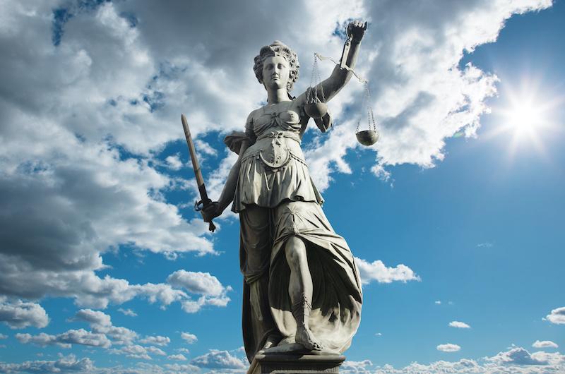 Auf keinem Auge blind: Rechtstipps für Vermittler